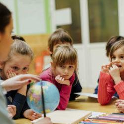 scuola-bambini-studenti-professori-prof-insegnanti-823x450